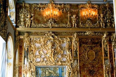 El Salón de Ámbar, reconstruido en San Petersburgo (Wikipedia Italia)