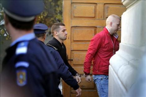 Ragu Dogaru a su entrada a los juzgados de Bucarest en octubre de 2013. Foto: elidealgallego.com